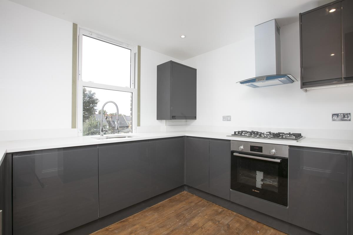 Flat/Apartment For Sale in Talfourd Road, Peckham, SE15 558 view2