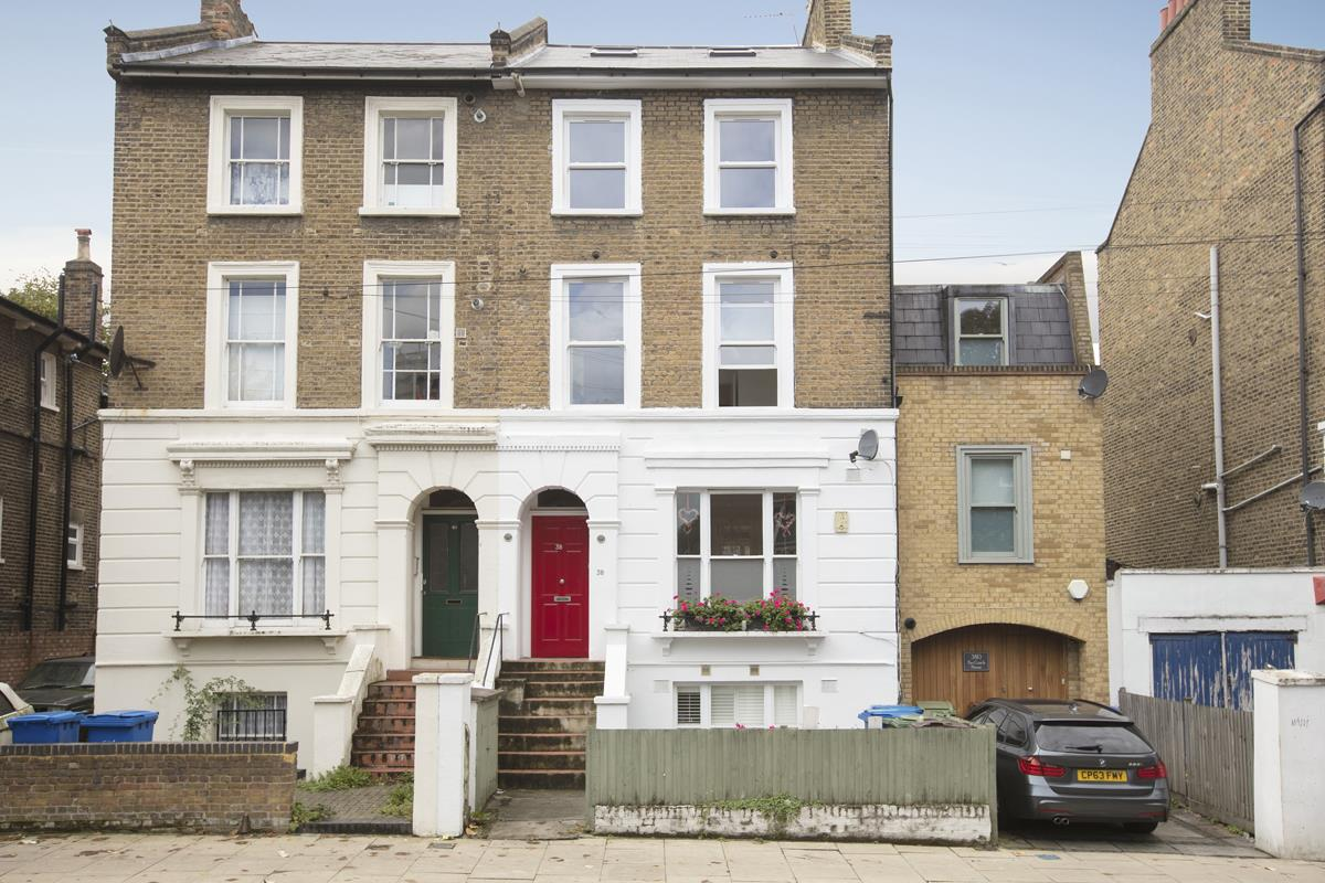 Flat/Apartment For Sale in Talfourd Road, Peckham, SE15 558 view1