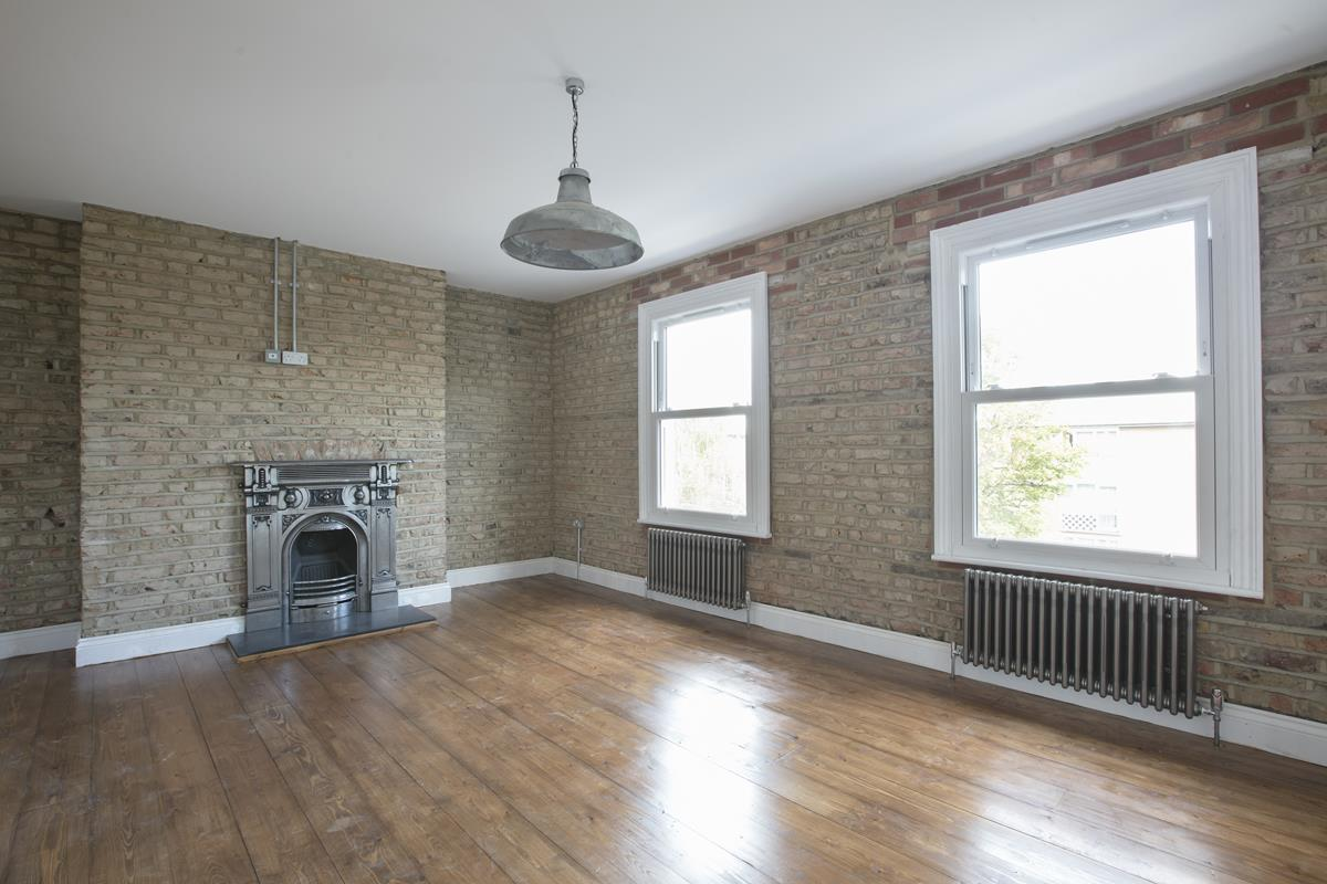 Flat/Apartment For Sale in Talfourd Road, Peckham, SE15 558 view3