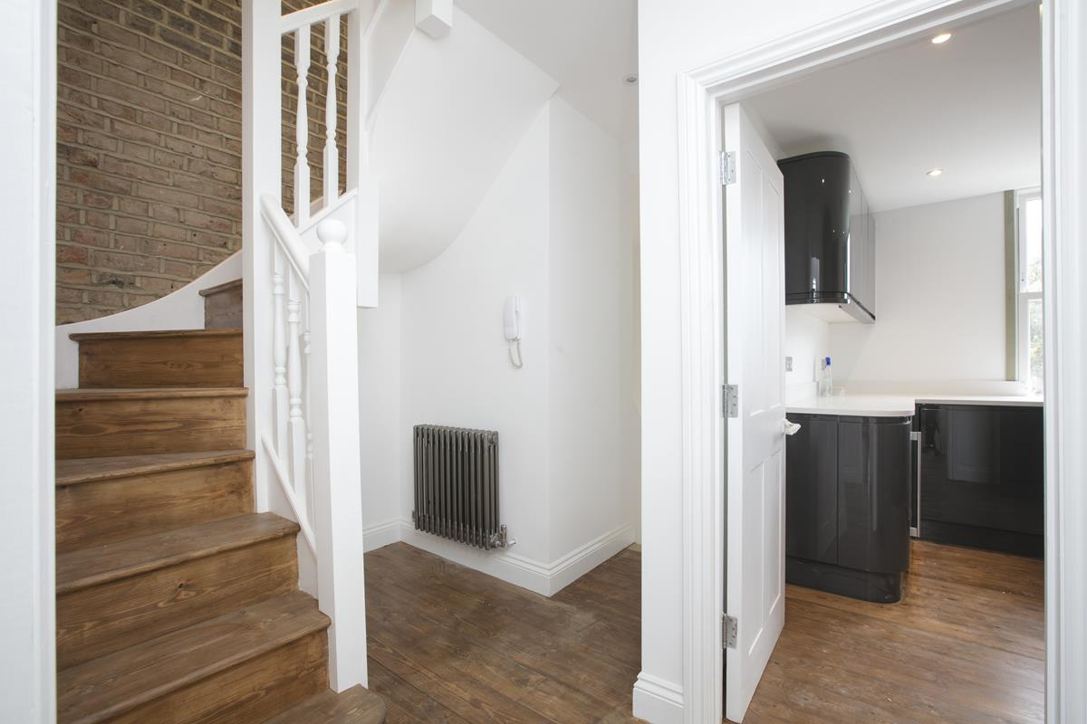 Flat/Apartment For Sale in Talfourd Road, Peckham, SE15 558 view4