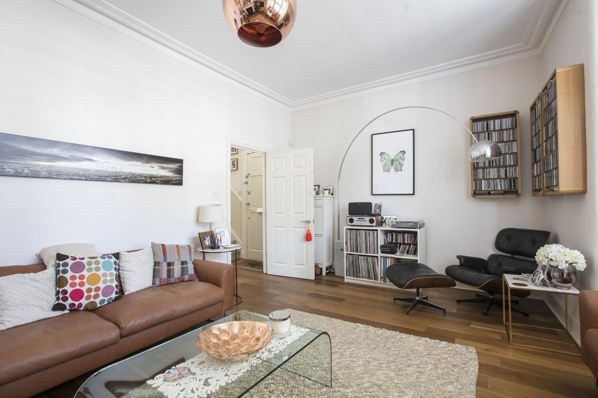 House - End Terrace For Sale in Tresco Road, Nunhead, SE15 673 view5