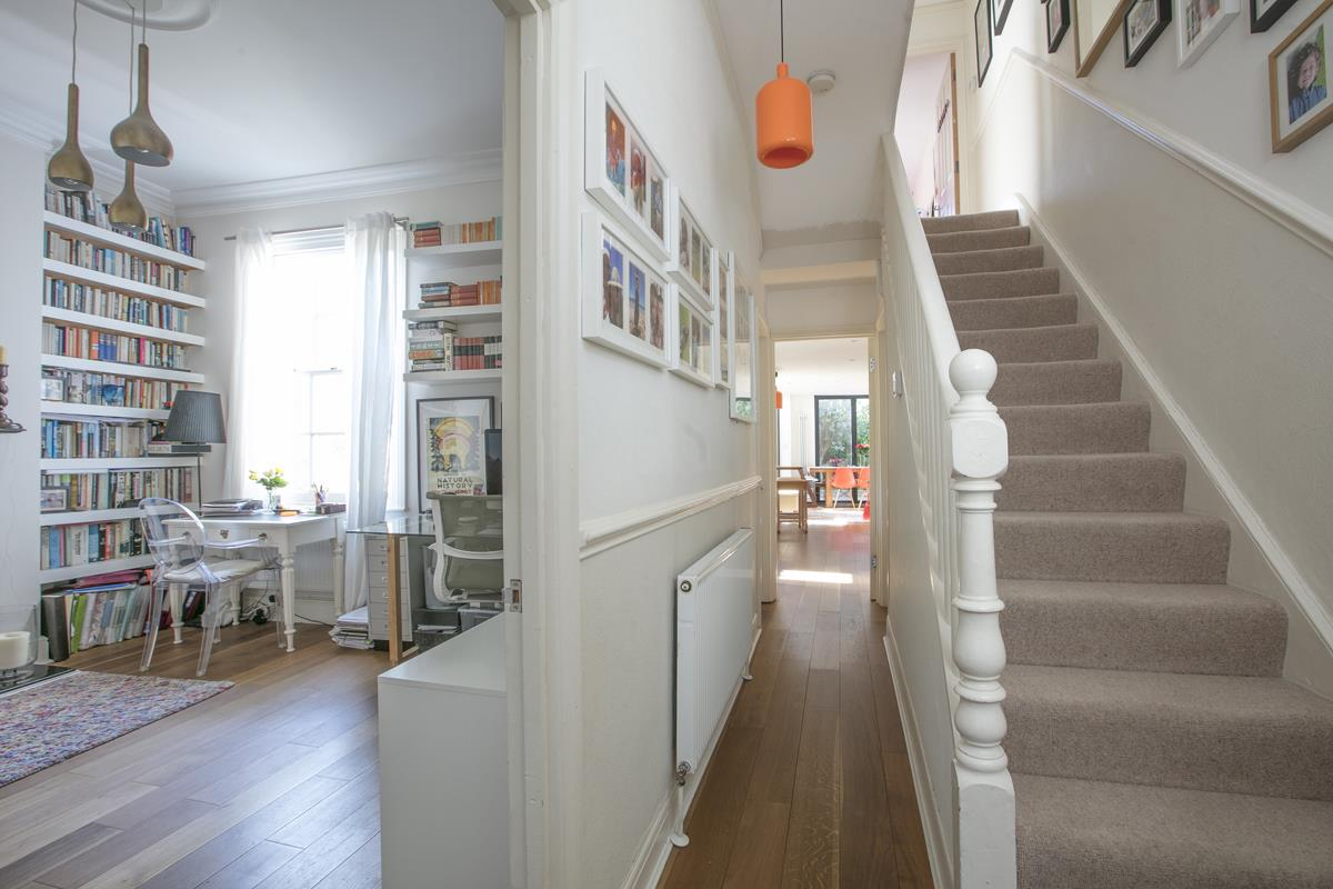 House - End Terrace For Sale in Tresco Road, Nunhead, SE15 673 view14