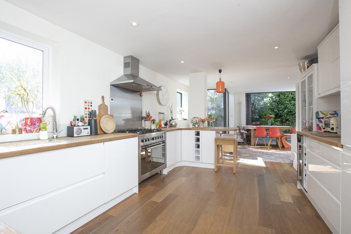 House - End Terrace For Sale in Tresco Road, Nunhead, SE15 673 view9