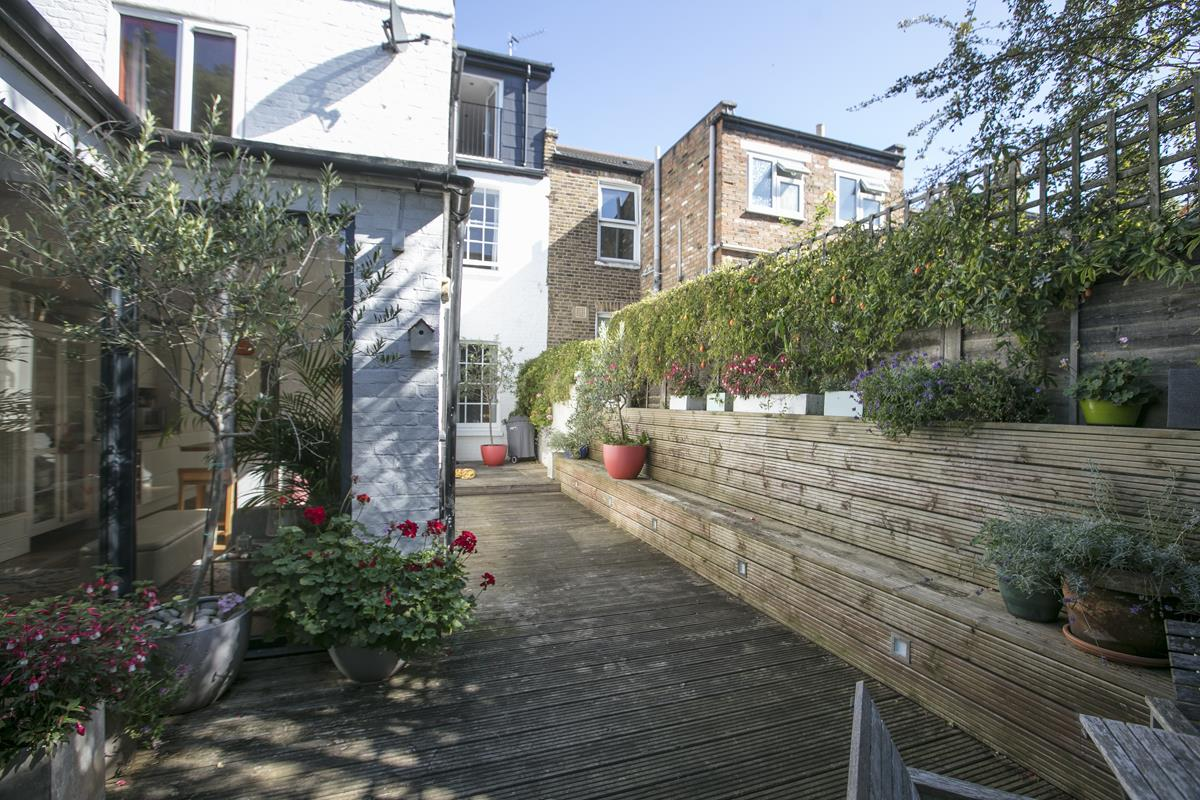 House - End Terrace For Sale in Tresco Road, Nunhead, SE15 673 view17