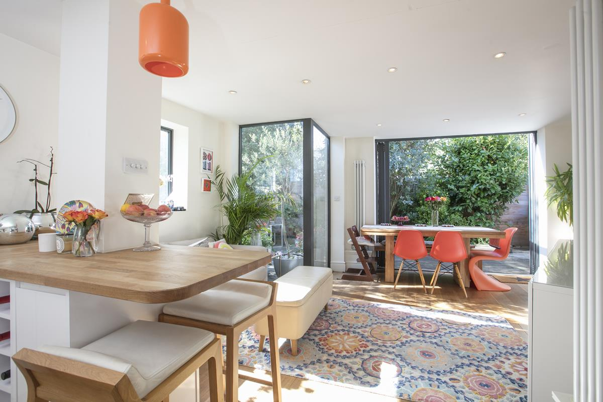 House - End Terrace For Sale in Tresco Road, Nunhead, SE15 673 view1