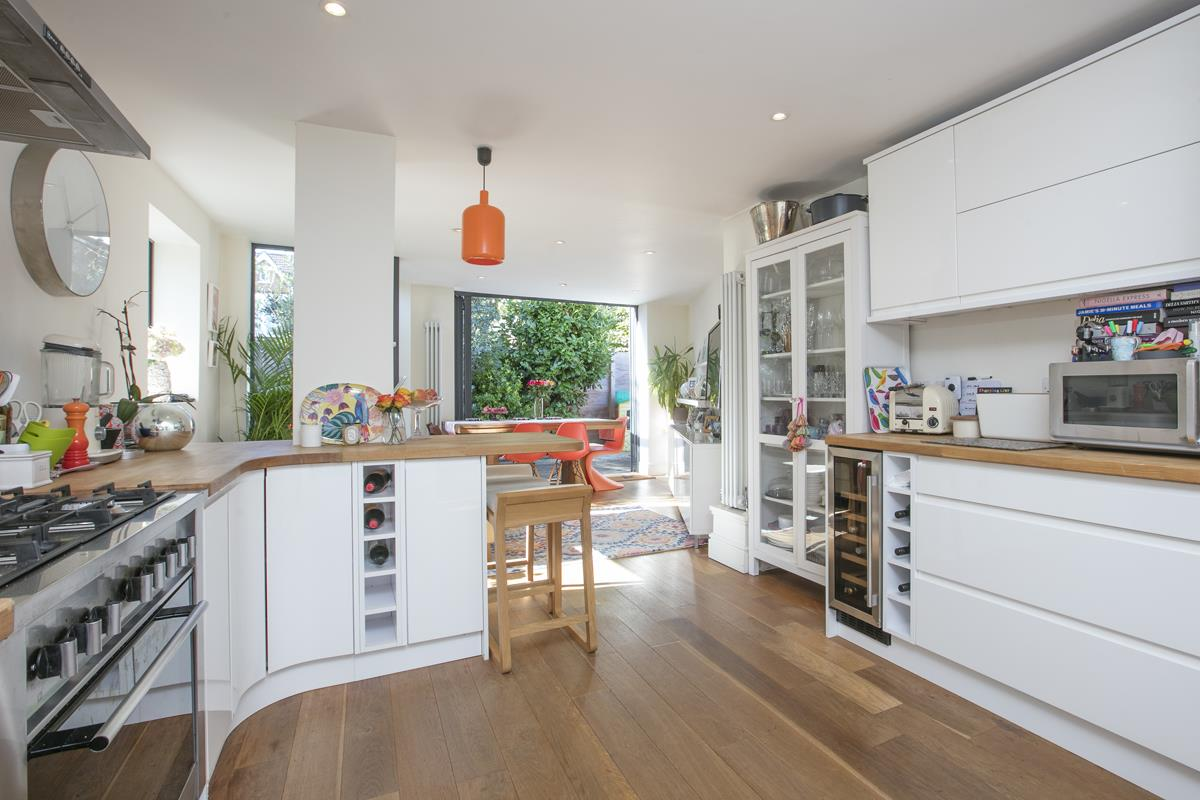 House - End Terrace For Sale in Tresco Road, Nunhead, SE15 673 view10