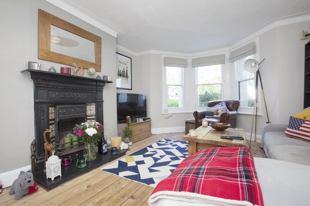 Flat/Apartment For Sale in Underhill Road, East Dulwich, SE22 446 view1