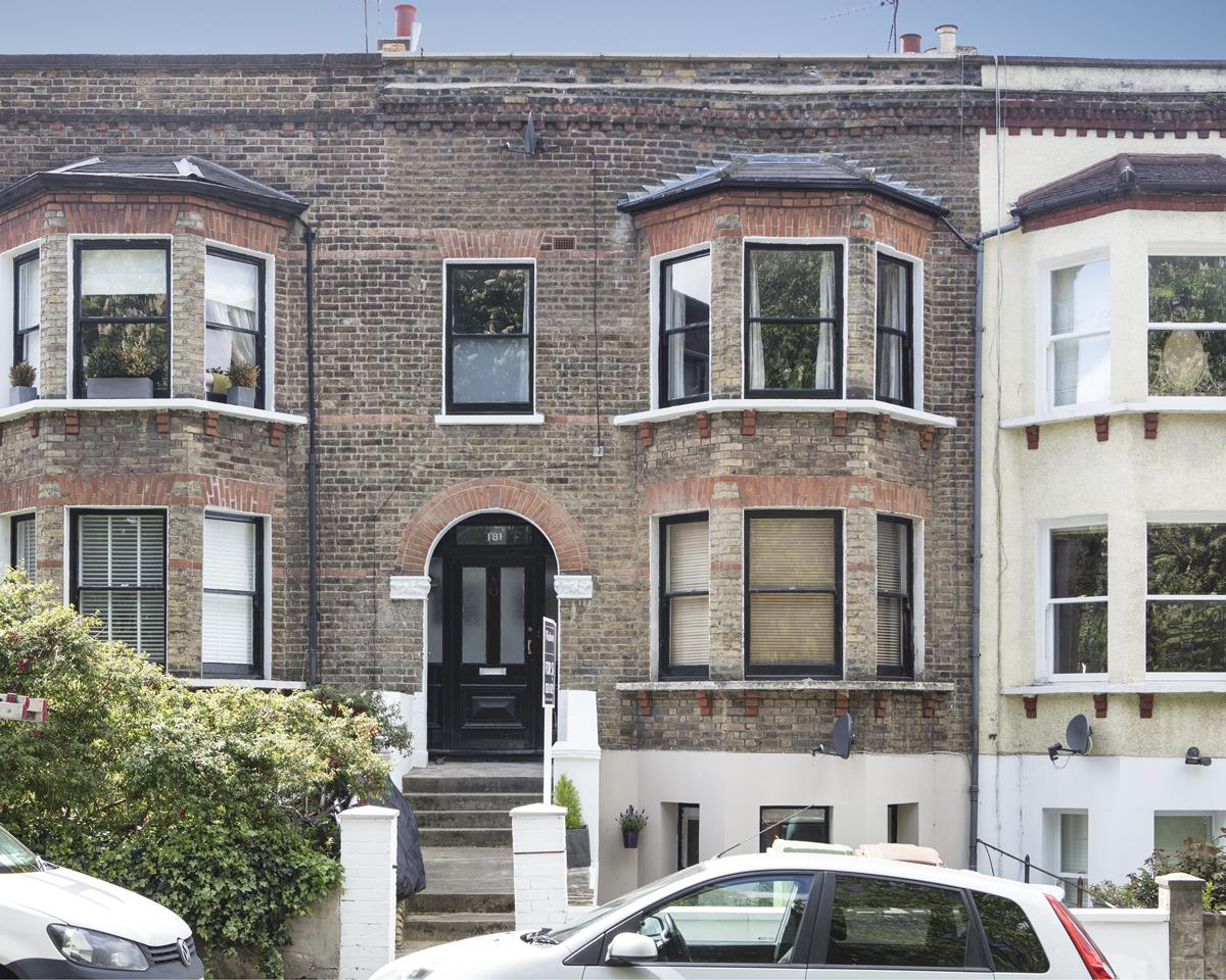 Flat/Apartment For Sale in Underhill Road, East Dulwich, SE22 446 view2