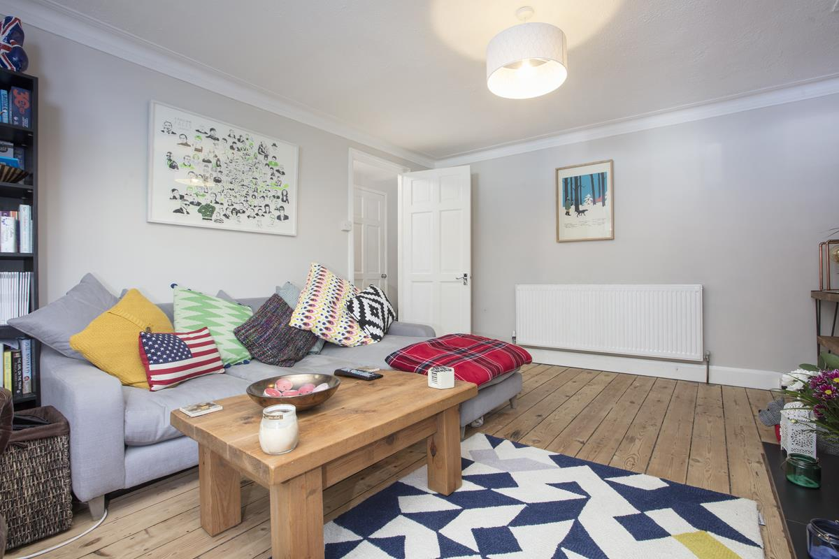 Flat/Apartment For Sale in Underhill Road, East Dulwich, SE22 446 view5