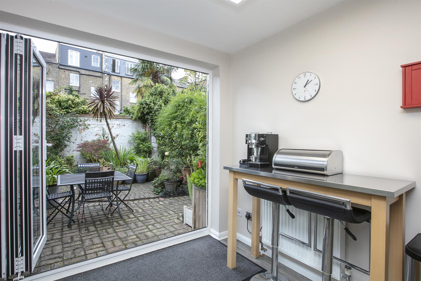House - Terraced Sale Agreed in Vestry Mews, Camberwell, SE5 712 view12