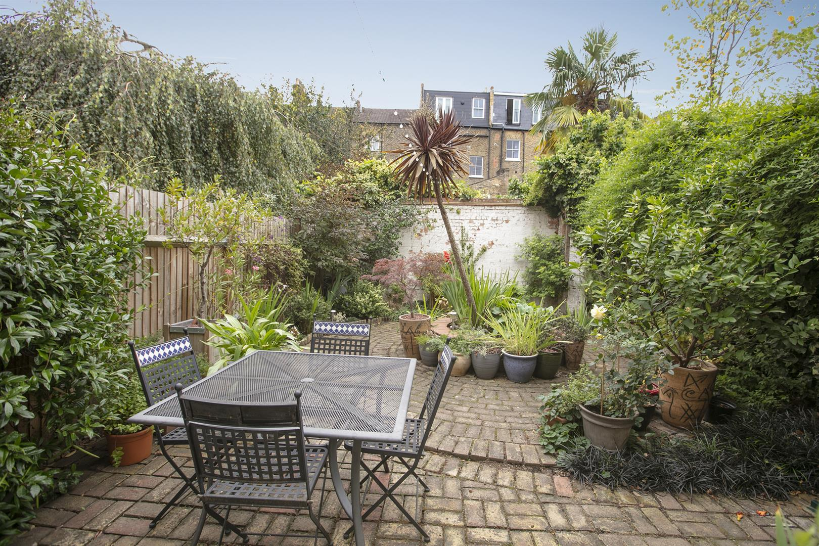 House - Terraced Sale Agreed in Vestry Mews, Camberwell, SE5 712 view3