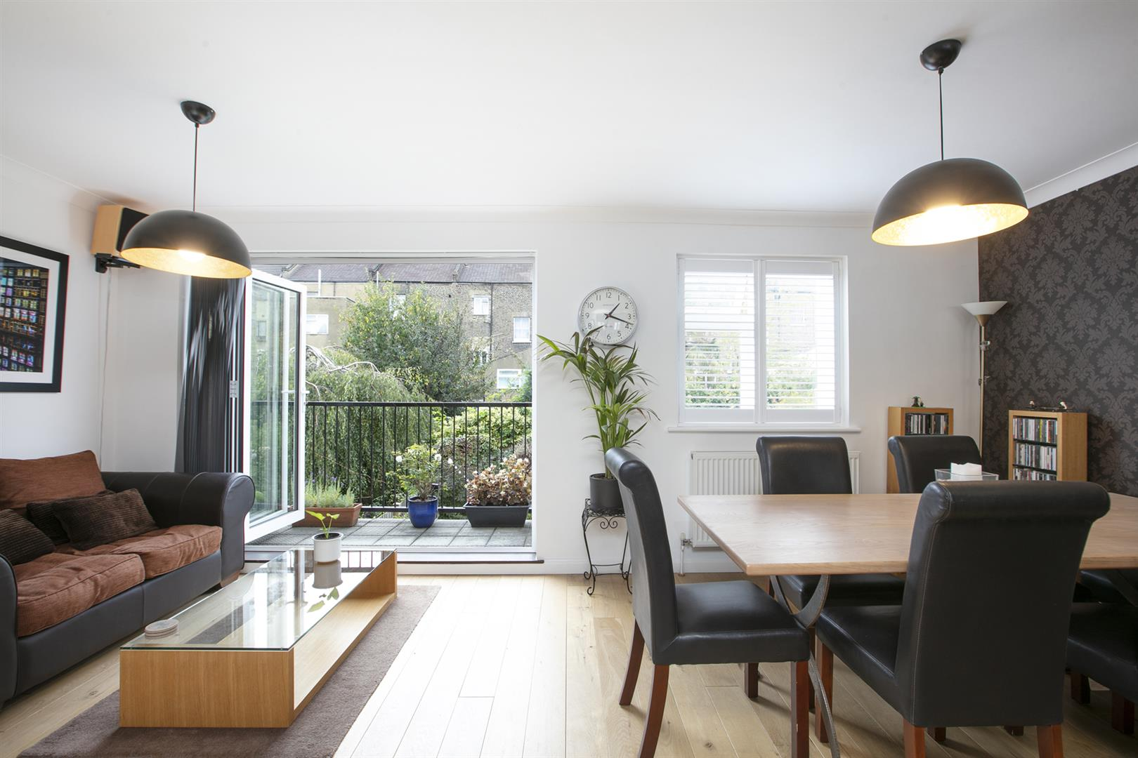 House - Terraced Sale Agreed in Vestry Mews, Camberwell, SE5 712 view2