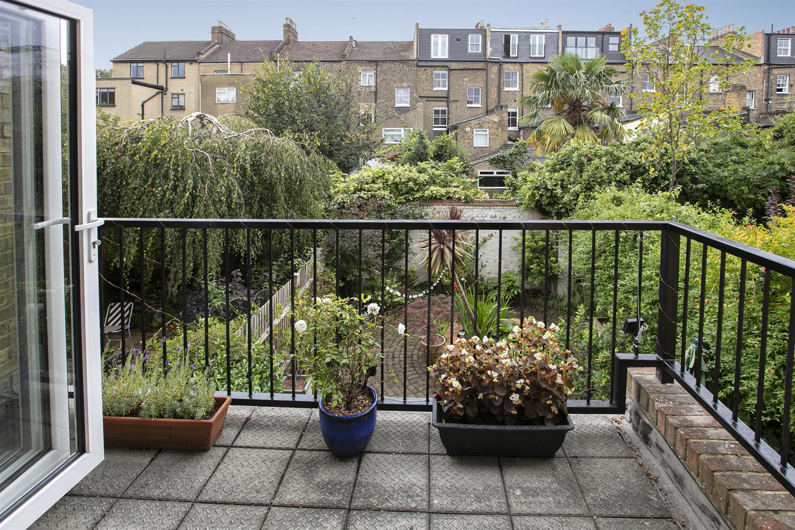 House - Terraced Sale Agreed in Vestry Mews, Camberwell, SE5 712 view9
