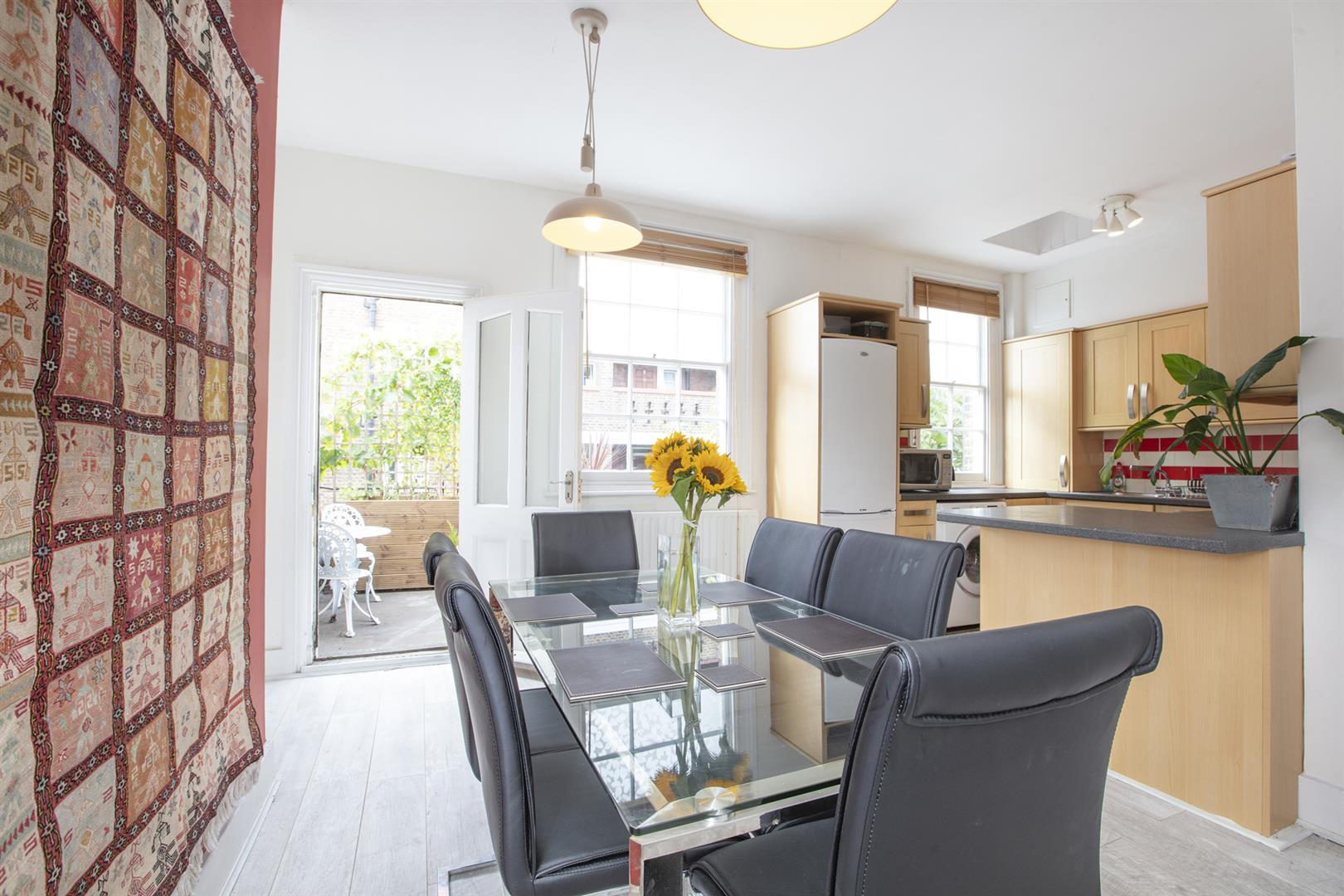 Flat - Conversion For Sale in Vestry Road, Camberwell, SE5 693 view2