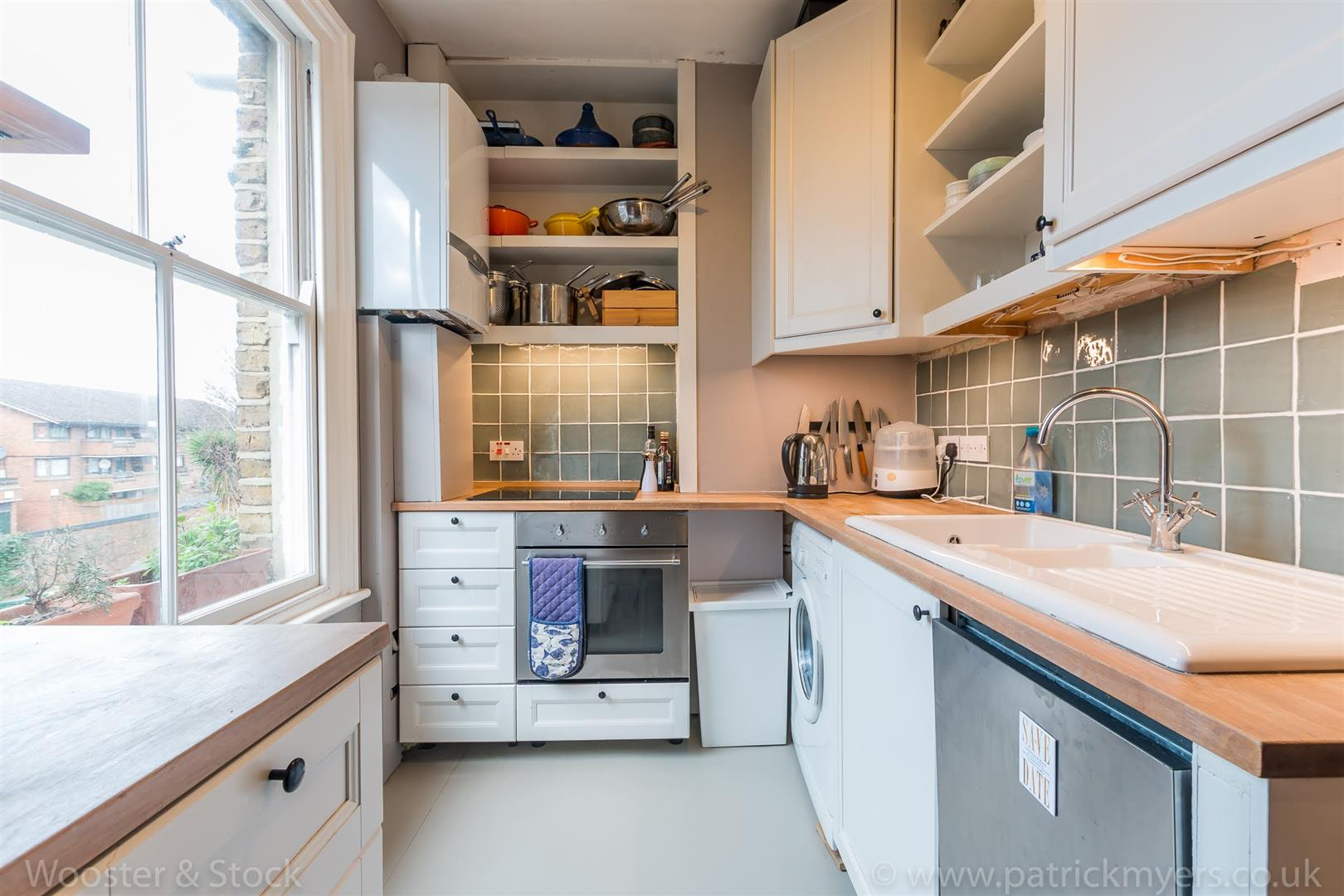 Flat/Apartment Sale Agreed in Vicarage Grove, Camberwell, SE5 402 view6