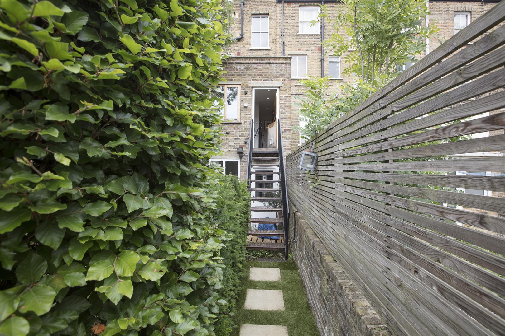 Flat - Conversion Sale Agreed in Vicarage Grove, Camberwell, SE5 644 view19