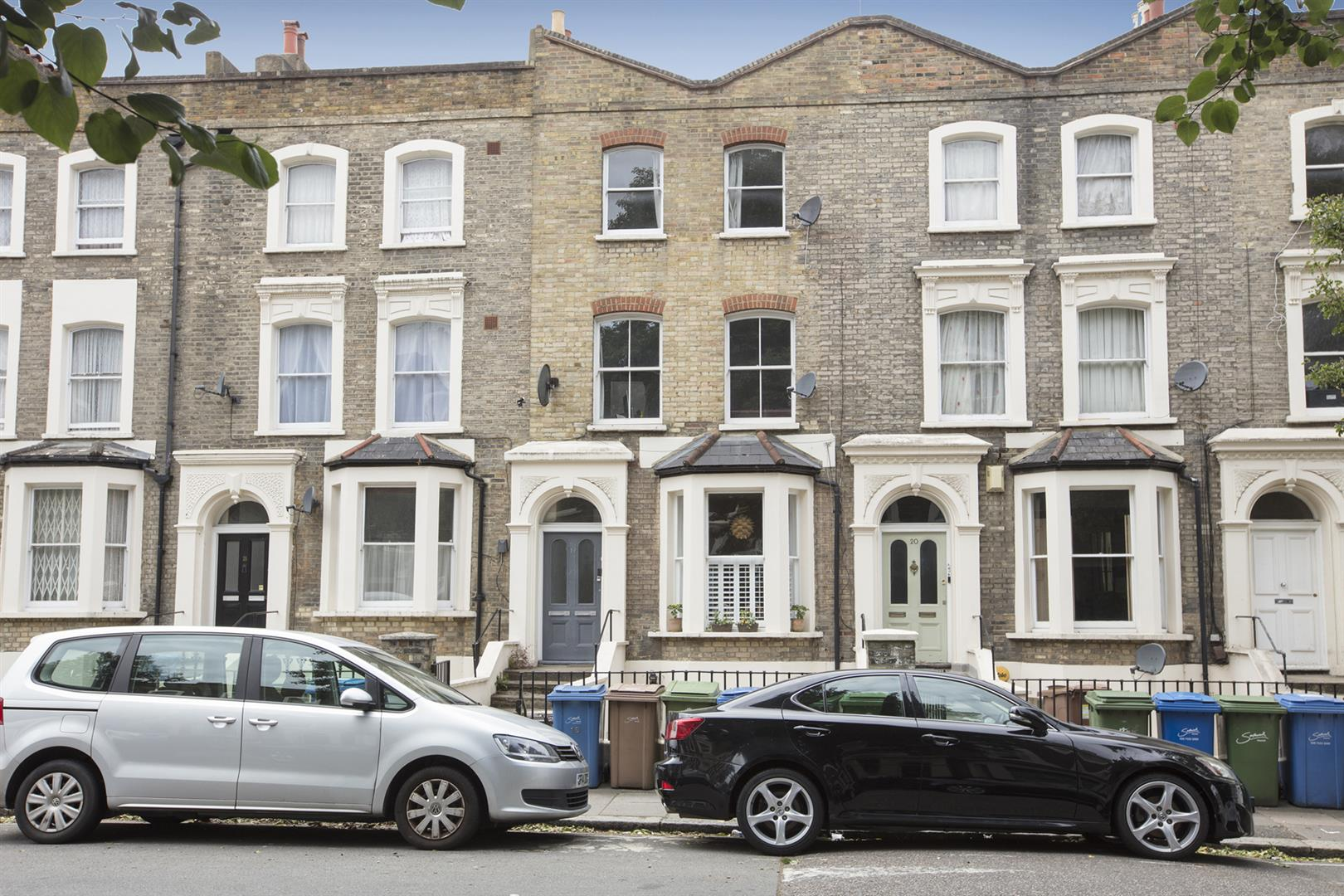 Flat - Conversion Sale Agreed in Vicarage Grove, Camberwell, SE5 644 view1