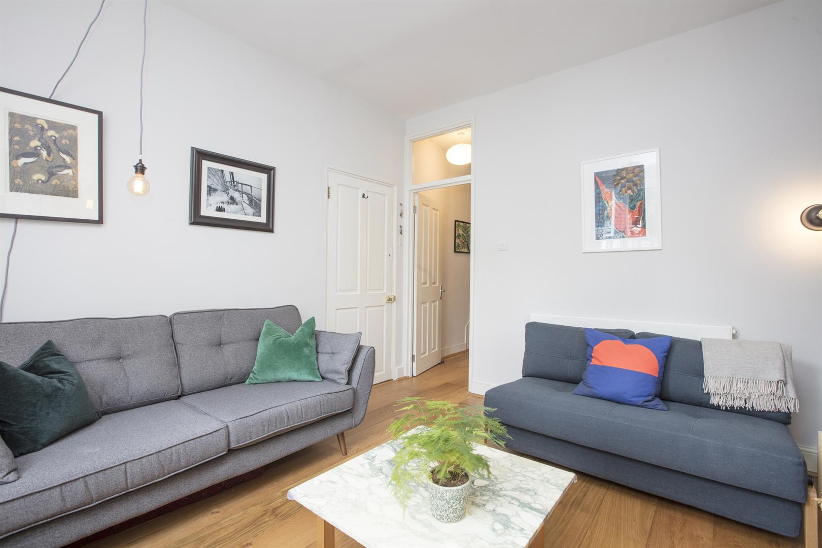 Flat - Conversion Sale Agreed in Vicarage Grove, Camberwell, SE5 644 view10