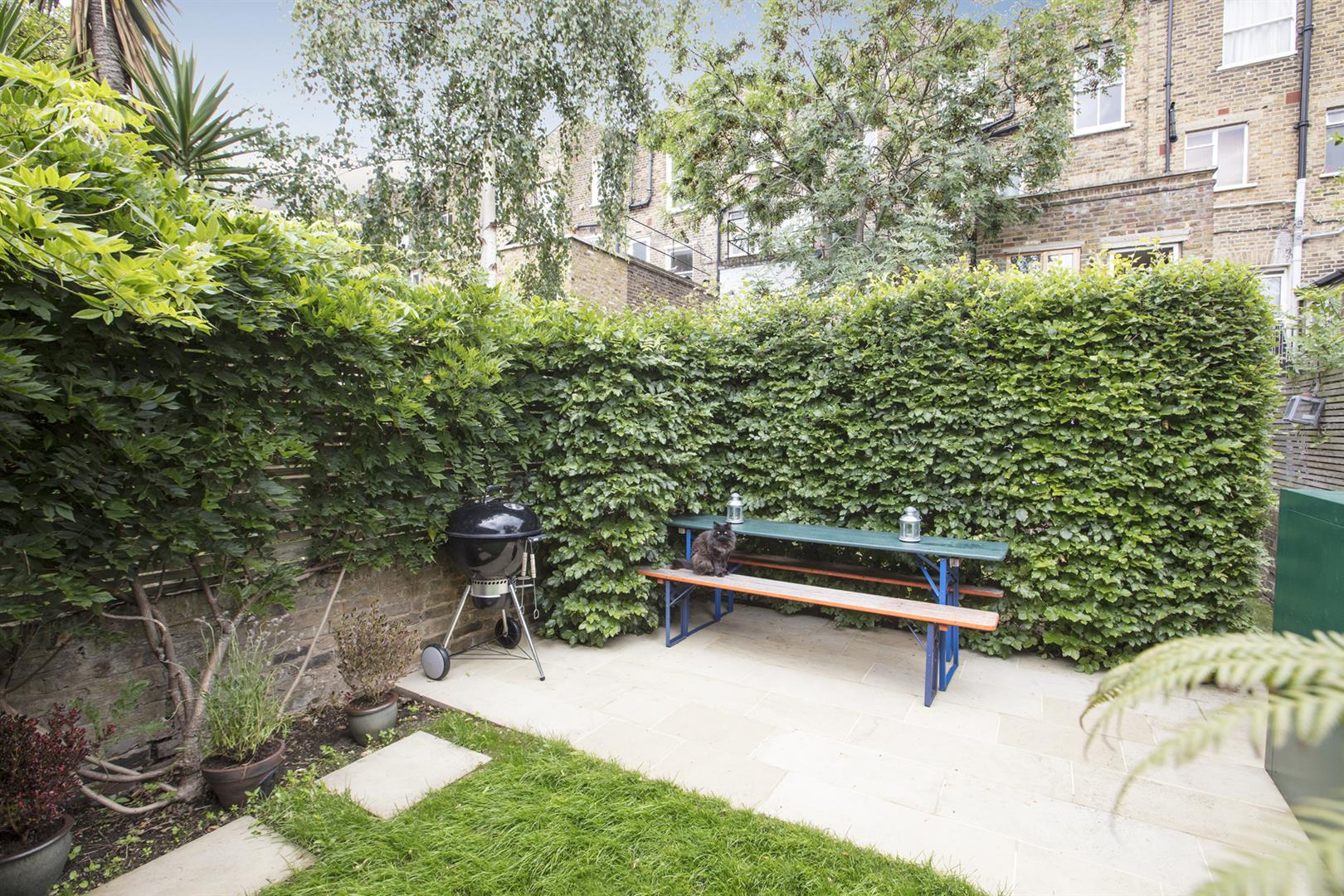 Flat - Conversion Sale Agreed in Vicarage Grove, Camberwell, SE5 644 view4