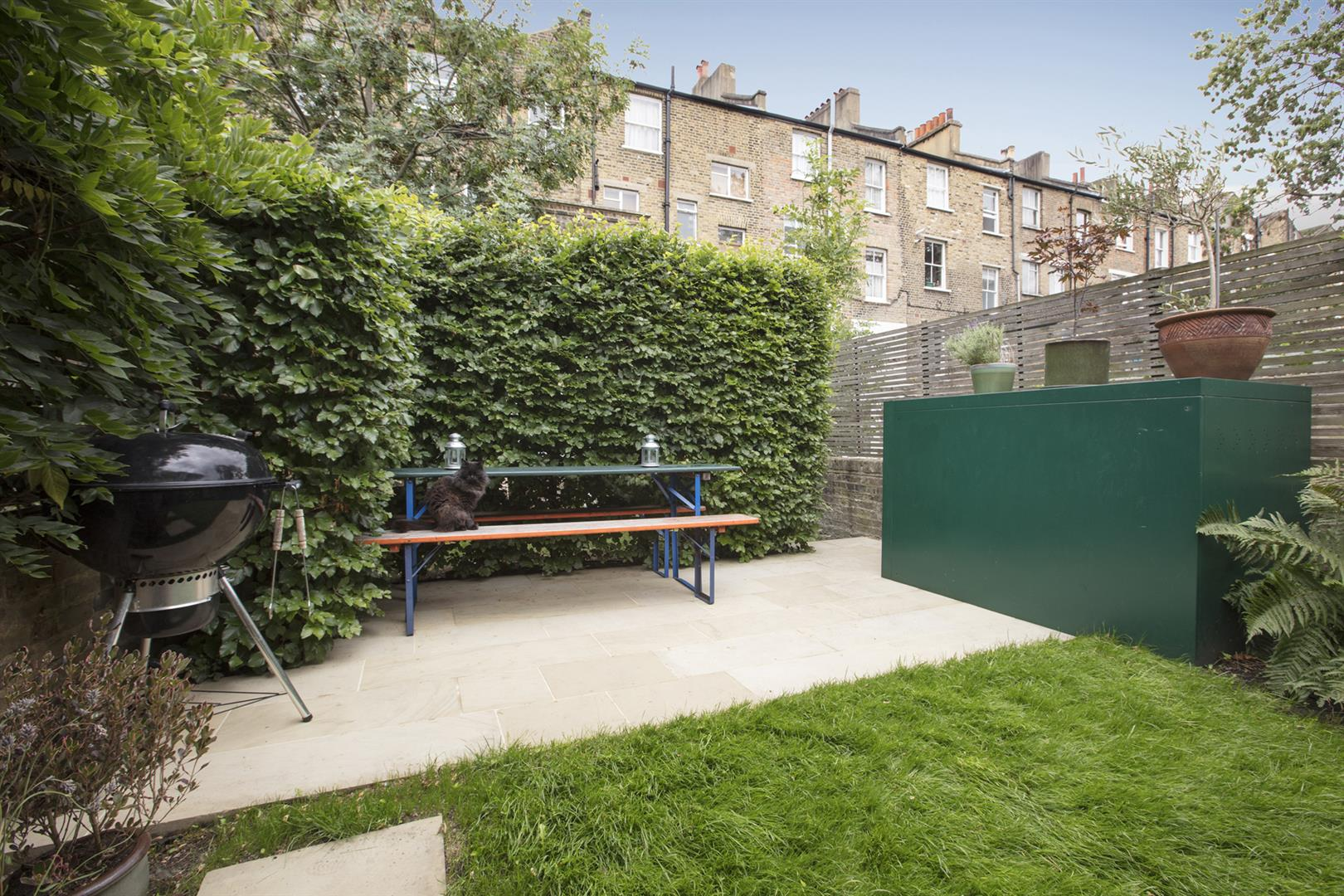 Flat - Conversion Sale Agreed in Vicarage Grove, Camberwell, SE5 644 view17