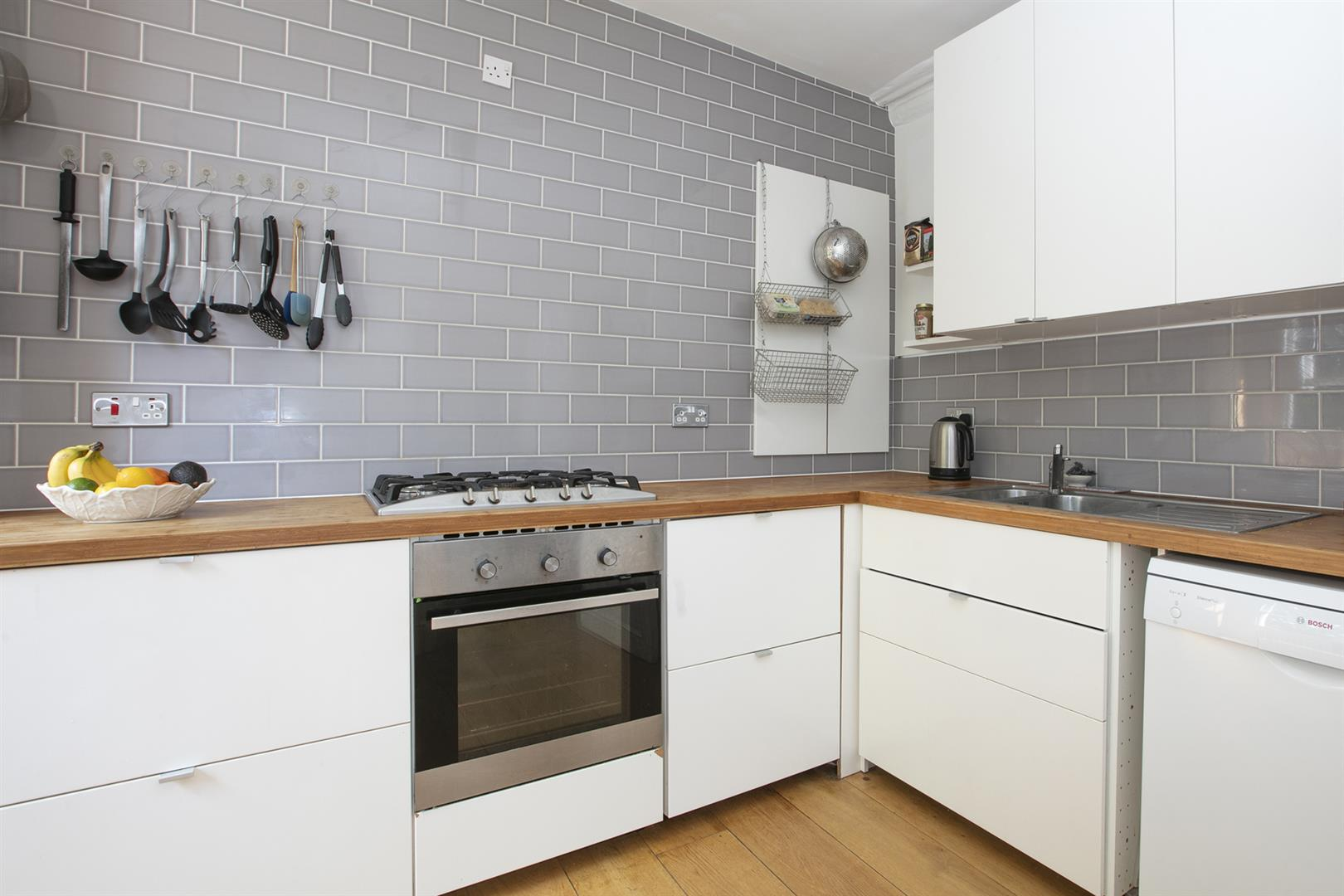Flat - Conversion Sale Agreed in Vicarage Grove, Camberwell, SE5 680 view5