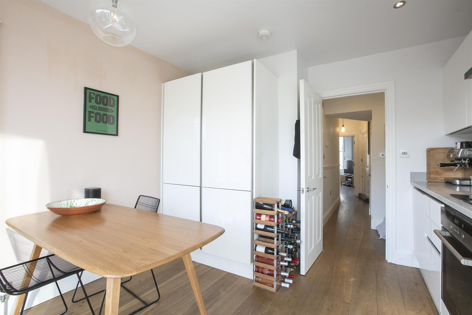 Flat/Apartment Sale Agreed in Vicarage Grove, Camberwell, SE5 754 view10