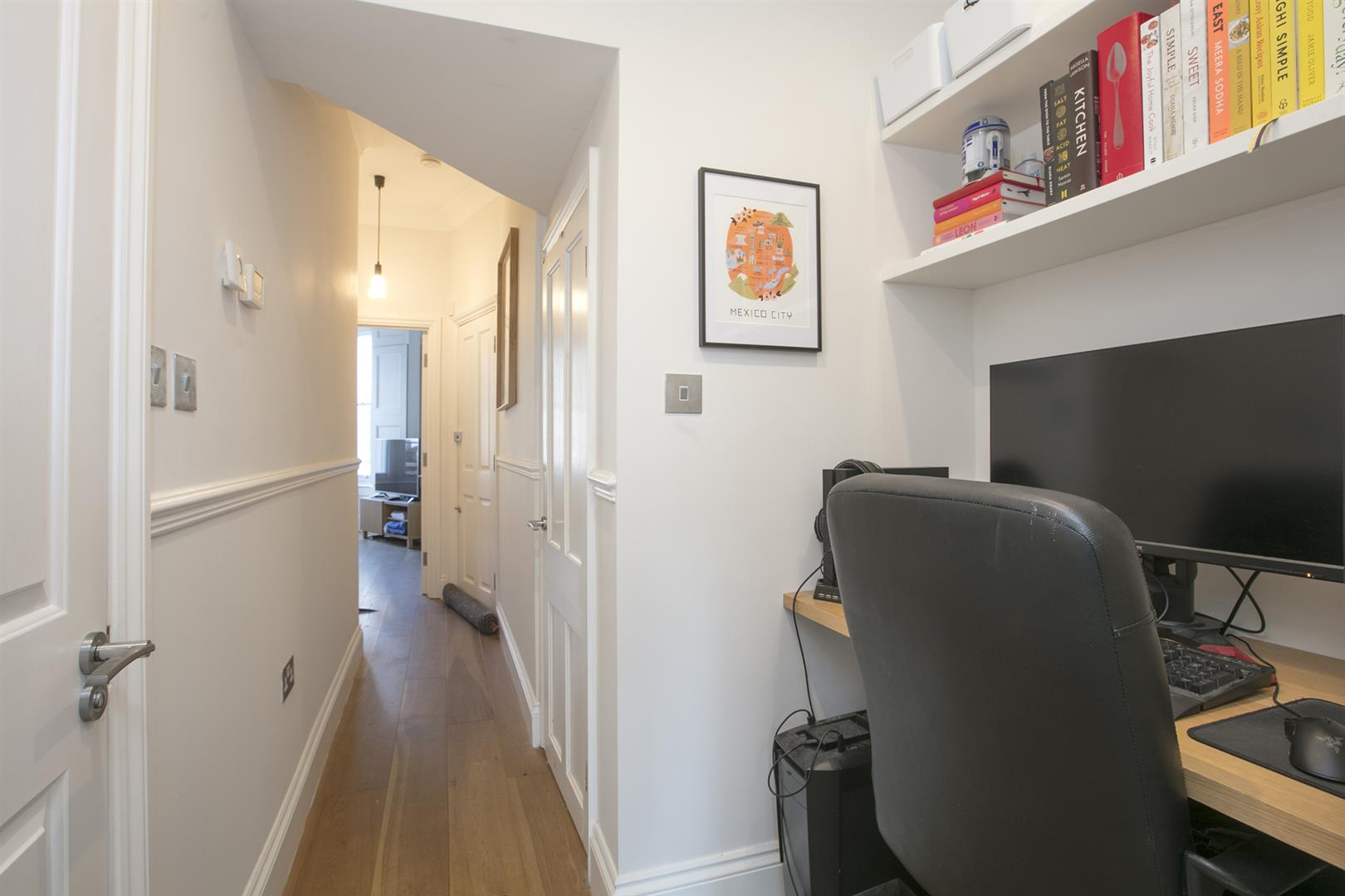 Flat/Apartment Sale Agreed in Vicarage Grove, Camberwell, SE5 754 view7