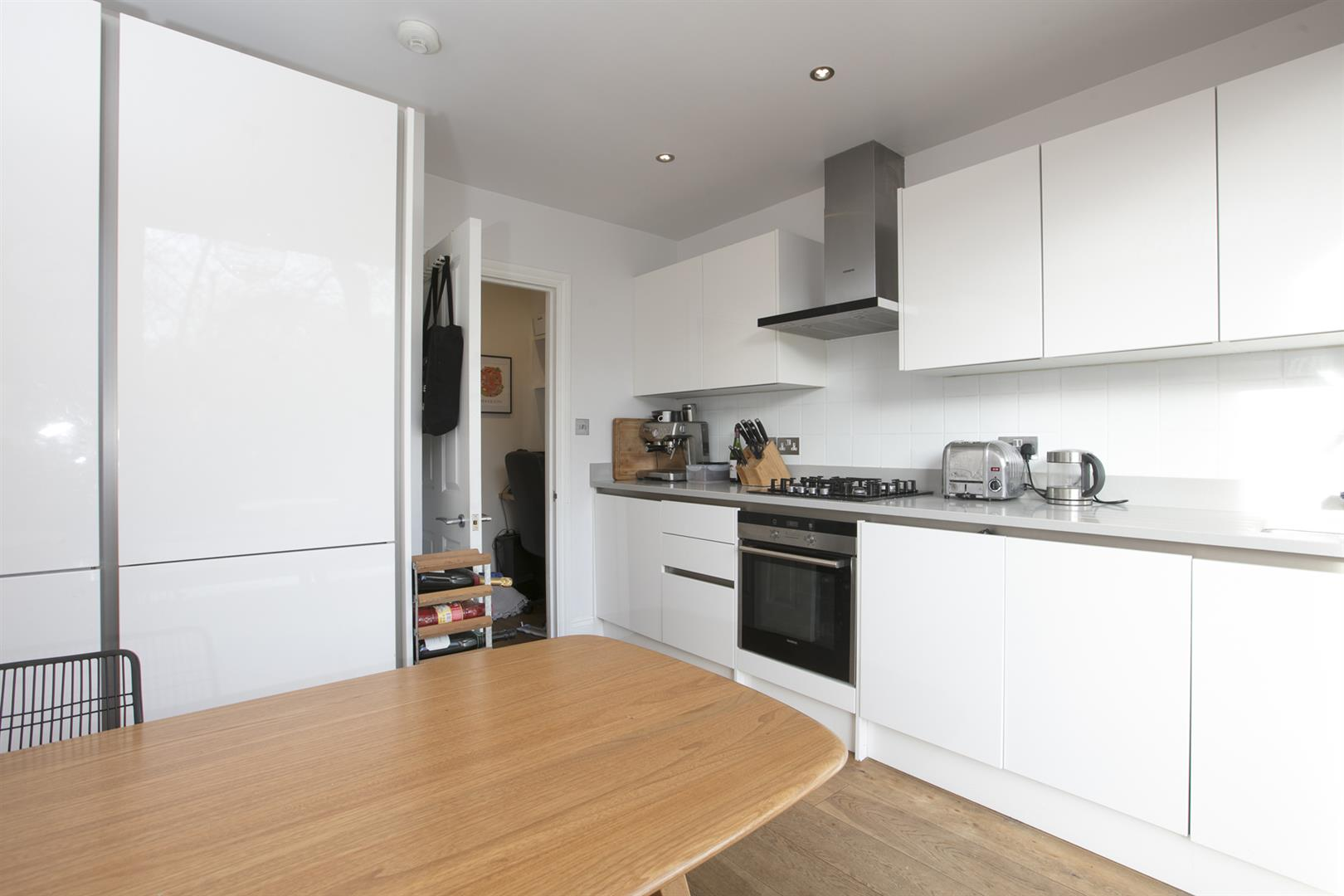 Flat/Apartment Sale Agreed in Vicarage Grove, Camberwell, SE5 754 view9