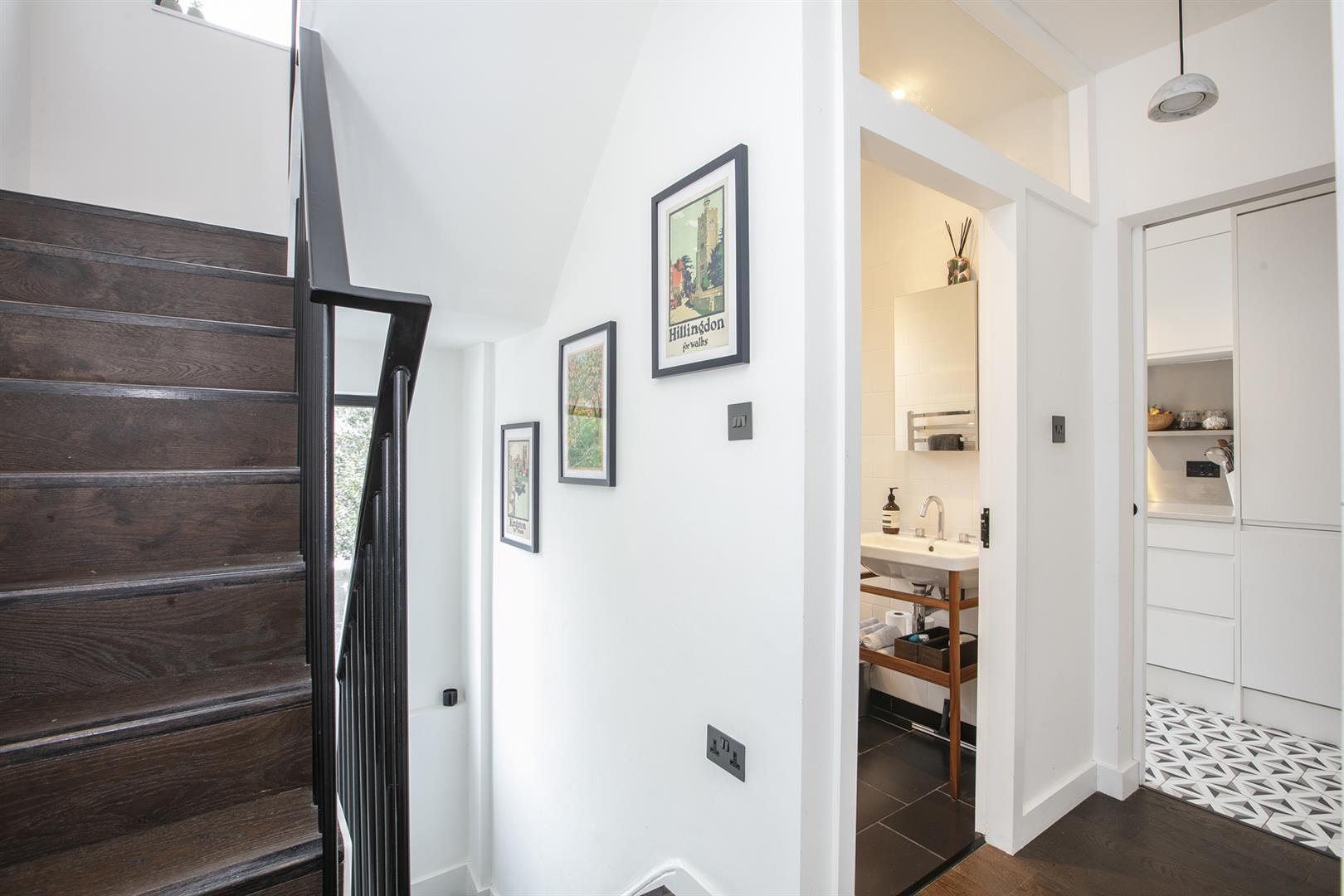 Flat - Conversion For Sale in Vicarage Grove, Camberwell, SE5 772 view9