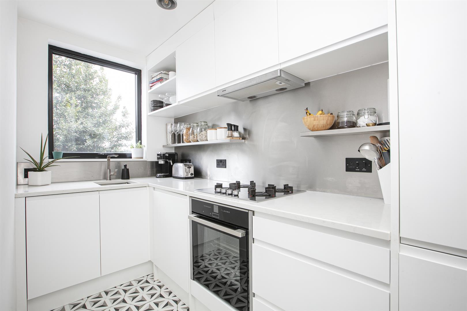 Flat - Conversion For Sale in Vicarage Grove, Camberwell, SE5 772 view4