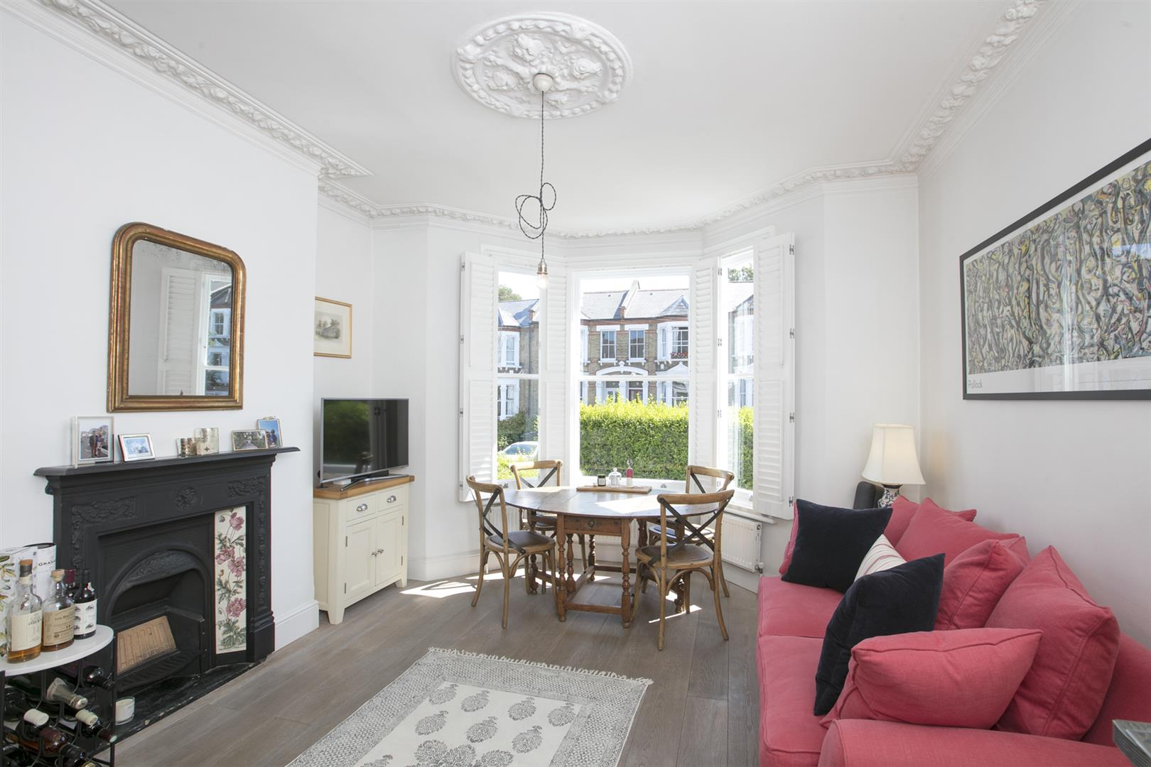 Flat - Conversion Sale Agreed in Waller Road, New Cross, SE14 629 view2