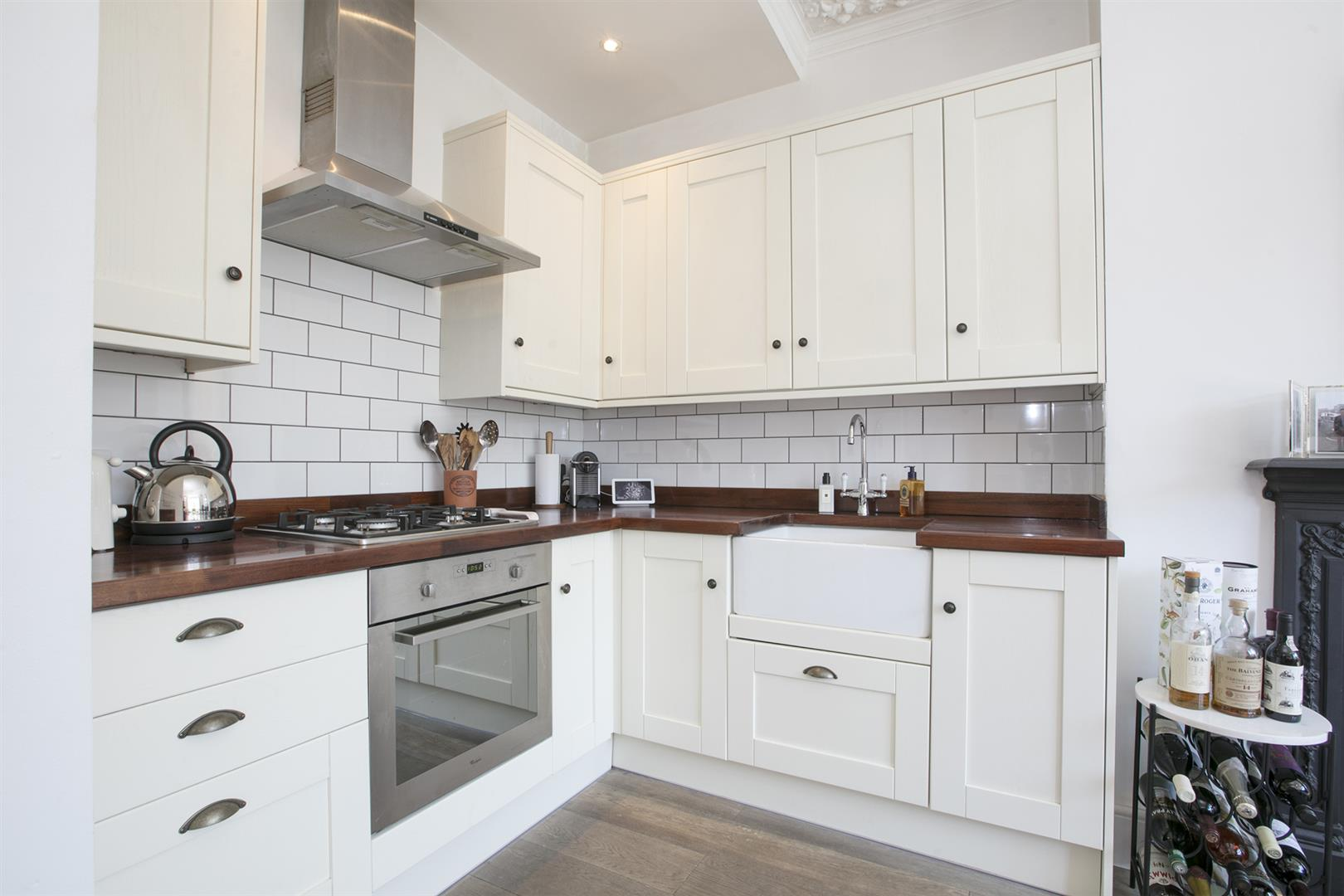 Flat - Conversion Sale Agreed in Waller Road, New Cross, SE14 629 view4