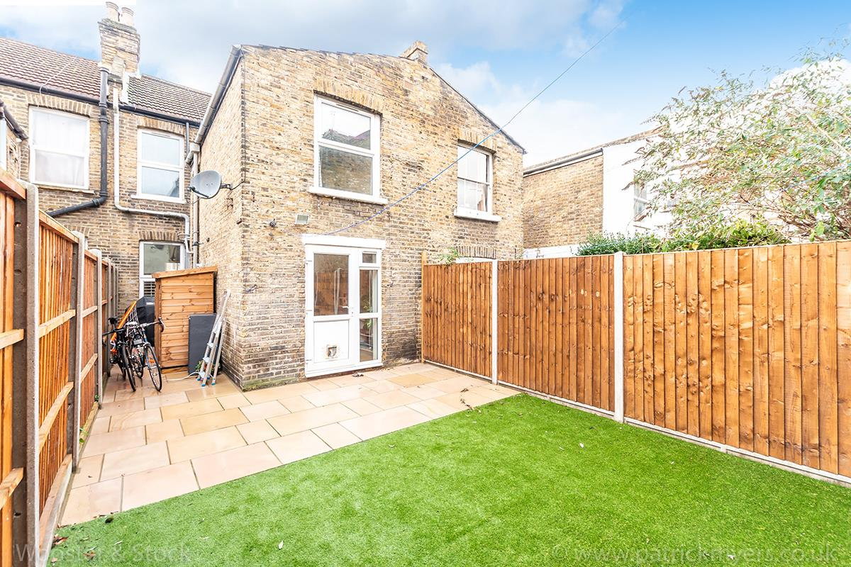 House - Terraced For Sale in Wells Way, Camberwell, SE5 409 view5