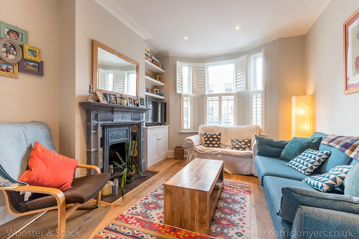 House - Terraced For Sale in Wells Way, Camberwell, SE5 409 view1