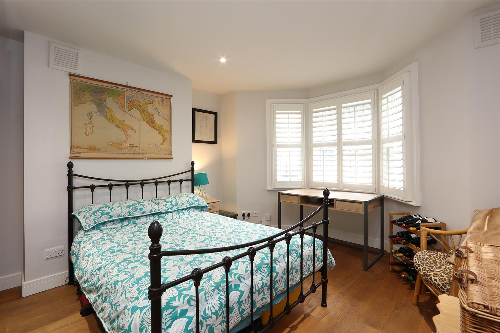 Flat - Conversion For Sale in Wilson Road, Camberwell, SE5 769 view11