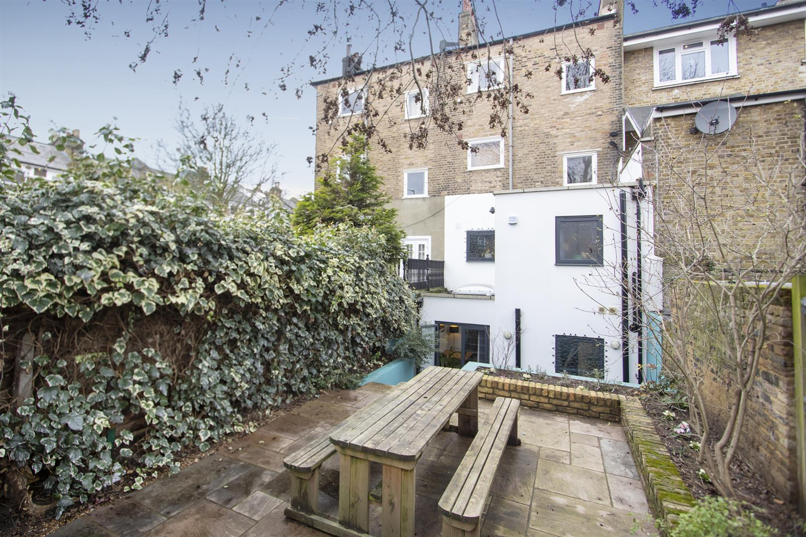Flat - Conversion For Sale in Wilson Road, Camberwell, SE5 769 view6