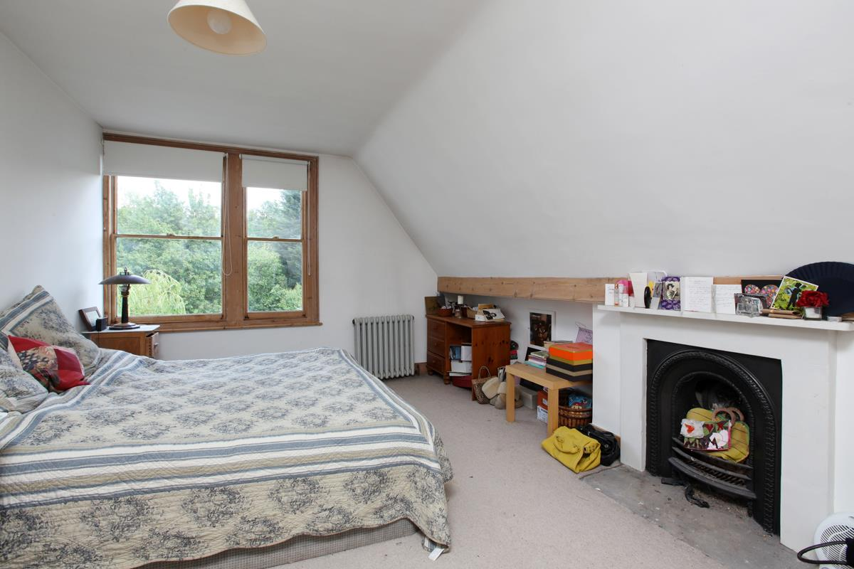 House - Semi-Detached Sold in Wood Vale, Forest Hill, SE23 53 view15