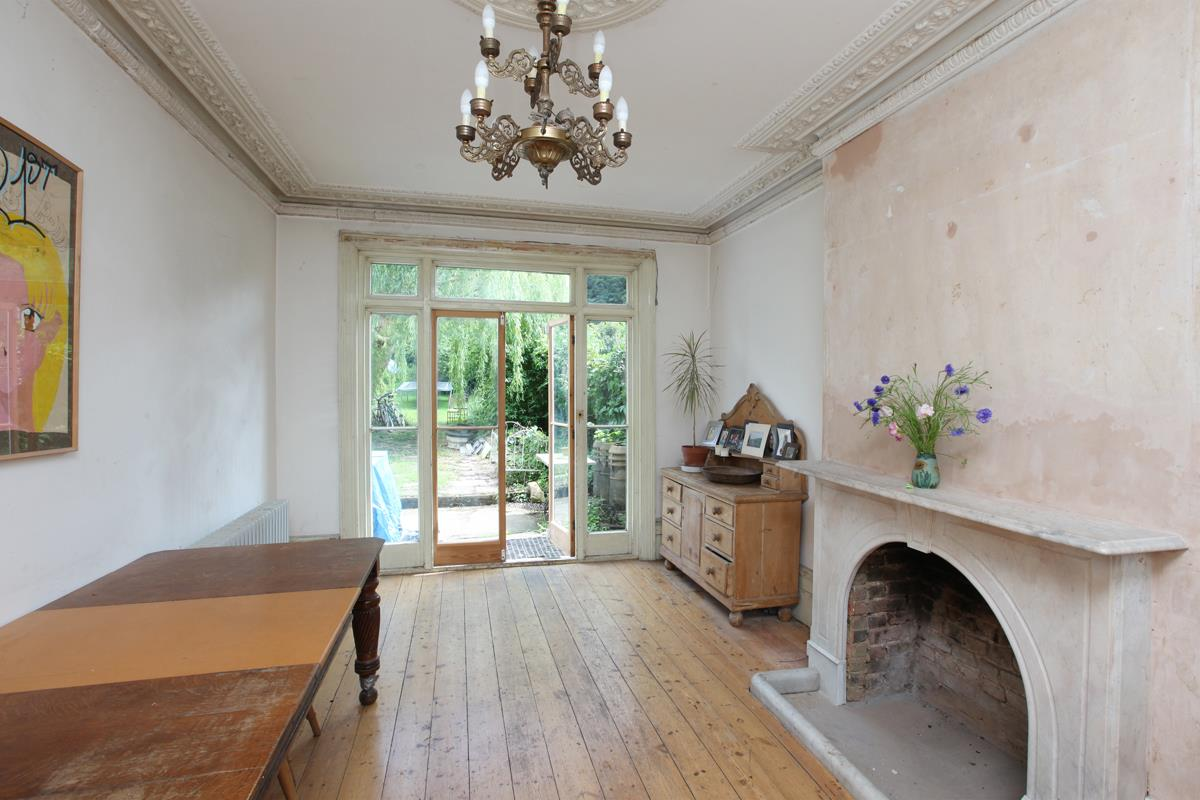 House - Semi-Detached Sold in Wood Vale, Forest Hill, SE23 53 view4