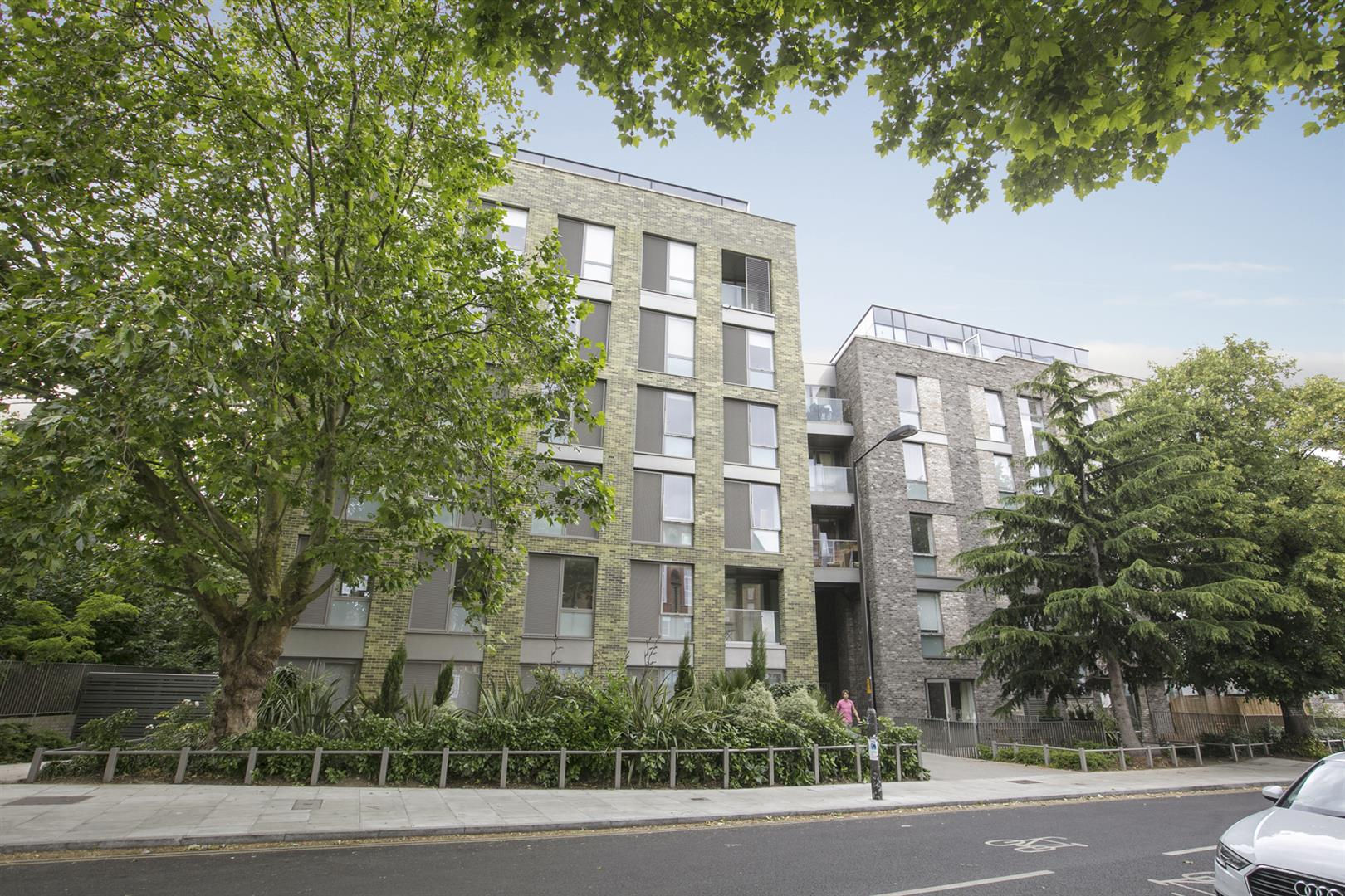 Flat - Purpose Built For Sale in Woods Road, Peckham, SE15 619 view4