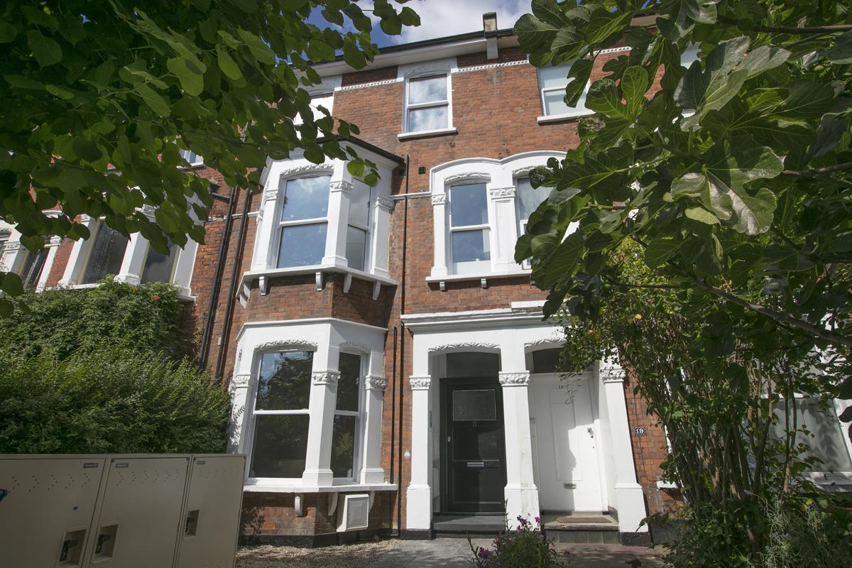 Flat - Conversion Sold in York Grove, Peckham, SE15 517 view1